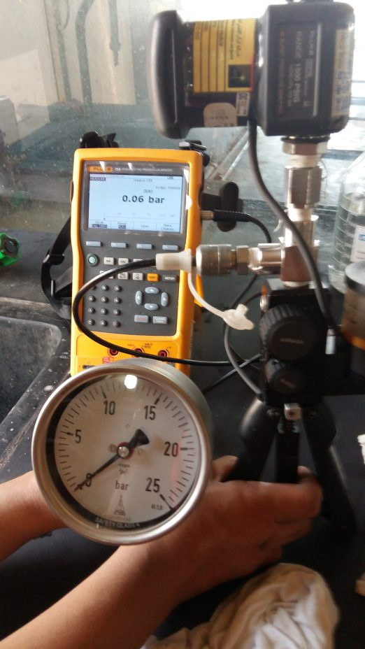 Pressure Gauge Calibration-Using Fluke 754 Process Calibrator with  a set of Fluke Pressure Modules