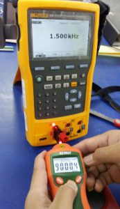 Verifying the RPM reading using a frequency of 1500 Hz which is equal to 90,000 rpm.